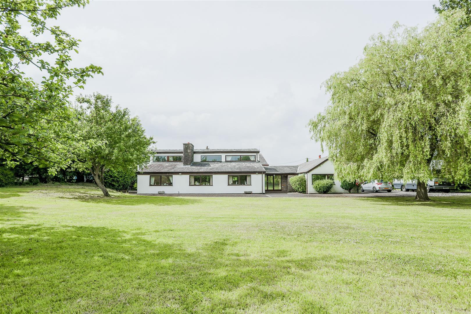 5 Bedroom Farmhouse For Sale - 33.JPG